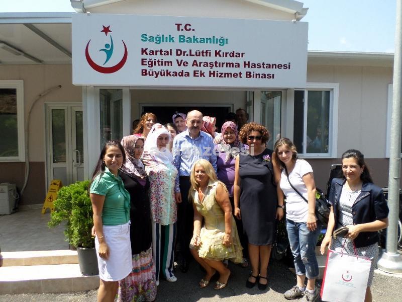 Sağlık Bakanı Müezzinoğlu Adalar'da