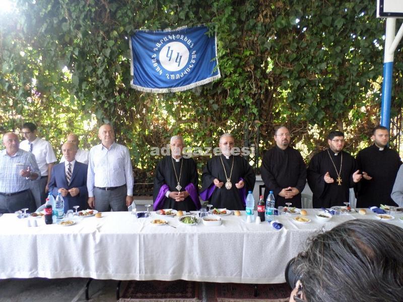 Kınalıada'da Harisa Keskek Şenlikleri ve Sevgi Yemeği