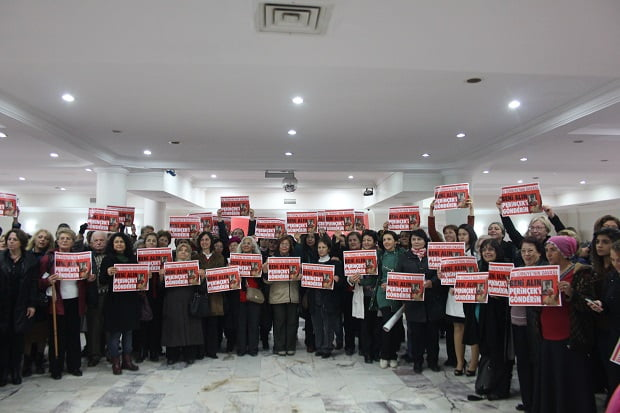 Milli Hükümet için Kadınlar Görev Başına!