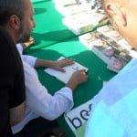 Kınalıada'da kitap imza gününe yoğun ilgi