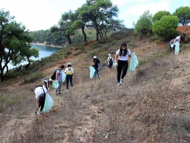 Heybeliada'da Kıyı Temizliği Kampanyası