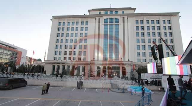 AK Parti yüzde 50.34 ile tek başına iktidar