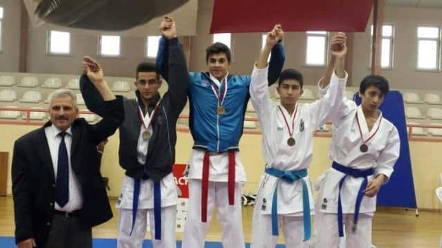 Gençler Karate birincisi Heybeliada'dan