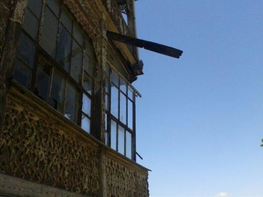Kınalıada'daki Galerini Köşkü yıkılmak üzere