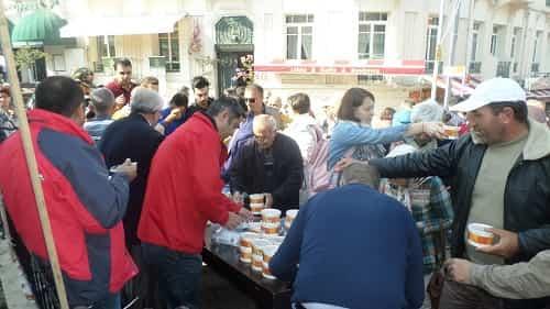 Büyükada Cemevi'nin aşure gününde rekor!