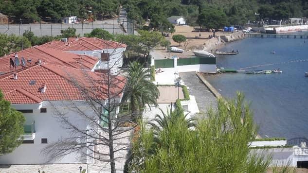 Heybeliada Çamlimanı'ndaki SANKO'ya ait kanunsuz villalar tamamlandı