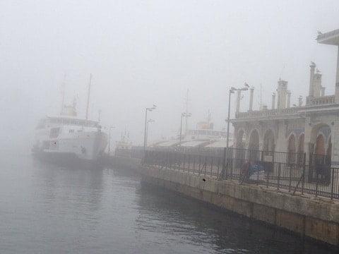 Adalar'da sis etkili oluyor