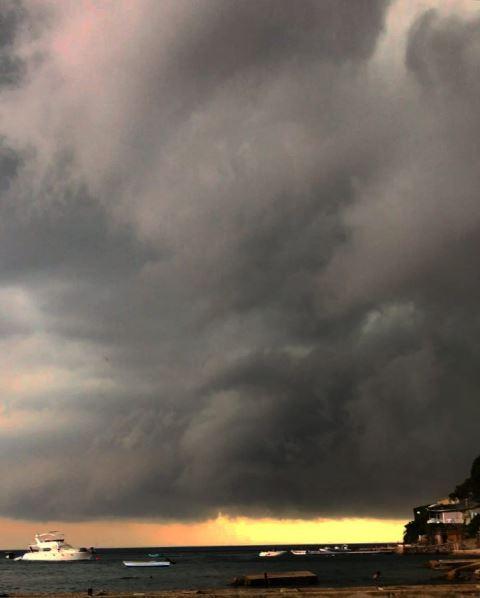 Fırtına Büyükada'da zor anlar yaşattı