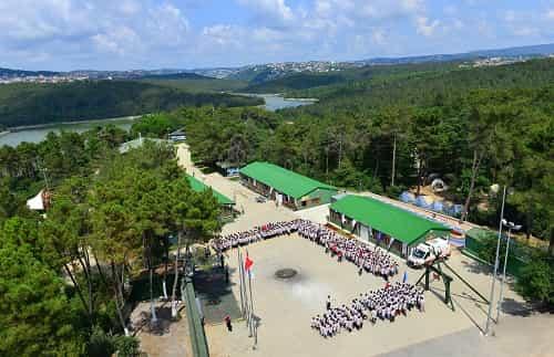 'Yaz İzci Kampı' projesiyle 13 yılda 200 bin izci yetiştirdi.