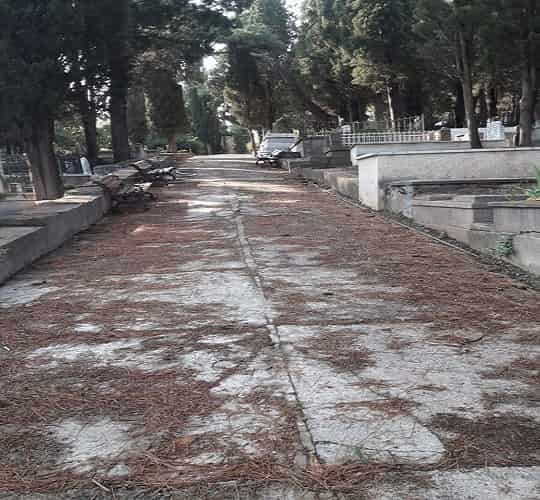 Adalar'daki tüm mezarlıkların bakımı ve temizliği yapılıyor
