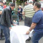 Büyükada Cemevi muharrem ayında Büyükada'da aşure lokması dağıttı