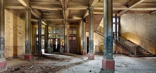 Tarihi Rum yetimhanesi restore edilsin!
