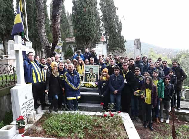 Büyükadalı Lefter Küçükandonyadis, vefatının 6. yıldönümünde mezarı başında anıldı.
