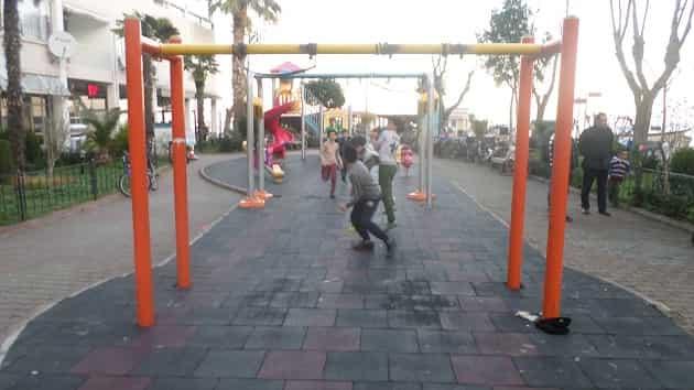 İBB tarafından yapılan çocuk parklarının elektriği kesildi!