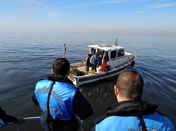 Kaçak midye avcılığı yapan iki adet balıkçı teknesine operasyon