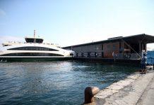 """İBB tarafından yapılan Karaköy'deki """"Akıllı Yüzer İskele""""de seferler başladı."""