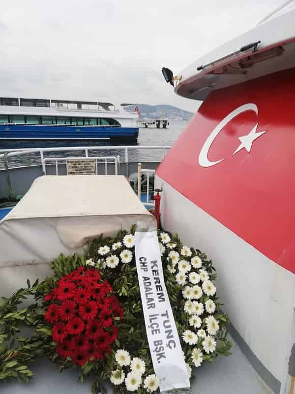 Adalar CHP ilçe teşkilatına yapılan büyük saygısızlık!