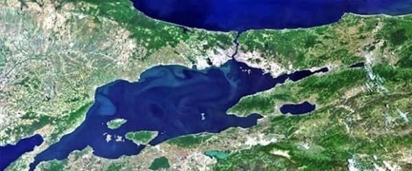 Adalar fay hattının 10 kilometre güneyindeki fayda risk yüzde 90