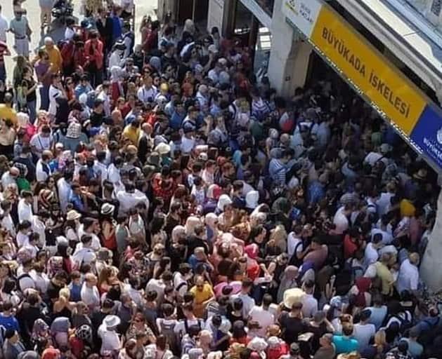 Ramazan Bayramı'nda Adalar'a yoğun ilgi!