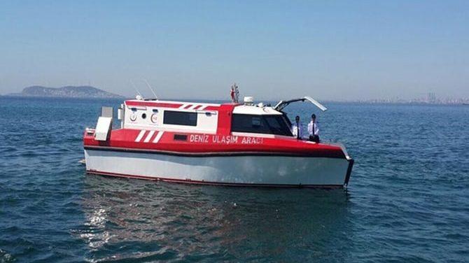 Adalar'da deniz ambulansıyla hasta nakli