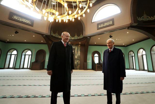 erdogan-ve-bahceli'nin-ilk-duragi-adnan-menderes'in-yargilandigi-mahkeme-salonunu-oldu
