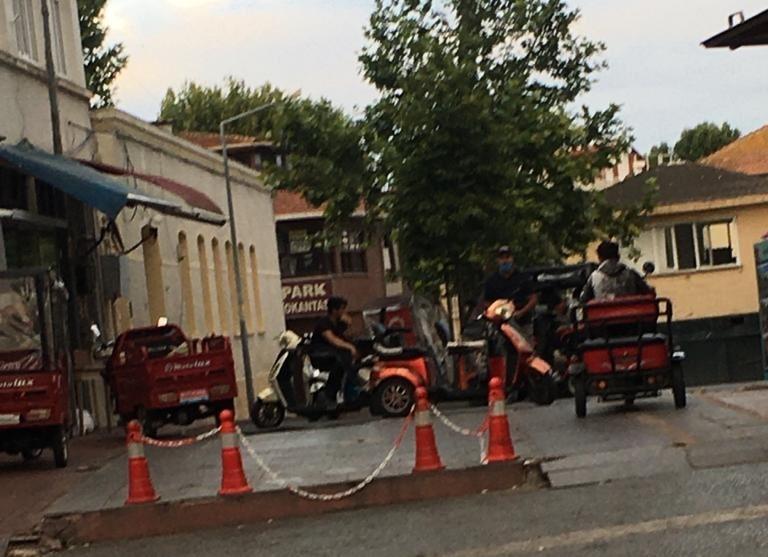 polise-diklenen-korsanlarin-araclari-baglandi!