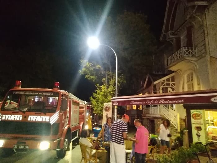 Kınalıada'da elektrik kontağından patlama!