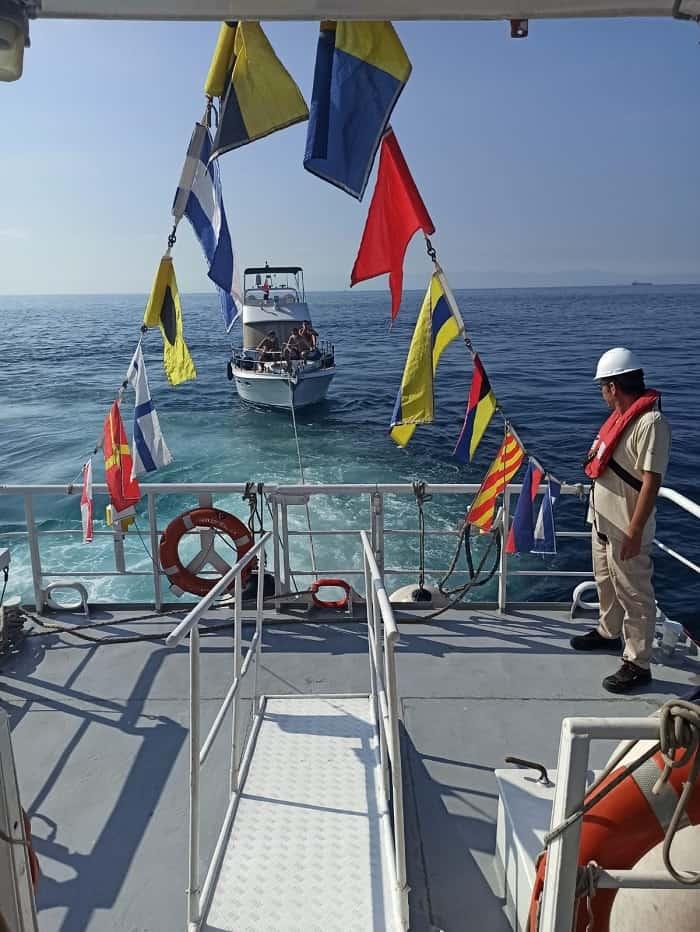 yassiada-aciklarinda-suruklenen-teknedeki-6-kisi-kurtarildi