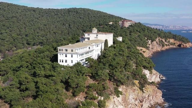 Heybeliada Sanatoryum arazisi Diyanet'e verildi