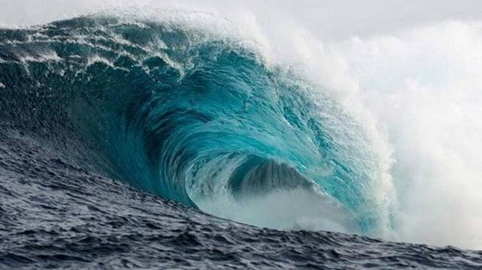 Adalar'da dalgalar 12.3 metreye ulaşacakmış!
