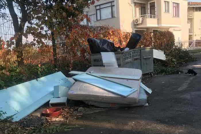İmamoğlu'nun Adalara gelmesi bile çöpleri yerinden kaldıramadı!