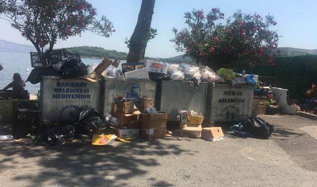 Çöp konteynerlerinin üzerine Adalar Belediyesi yazamayan bir belediye!