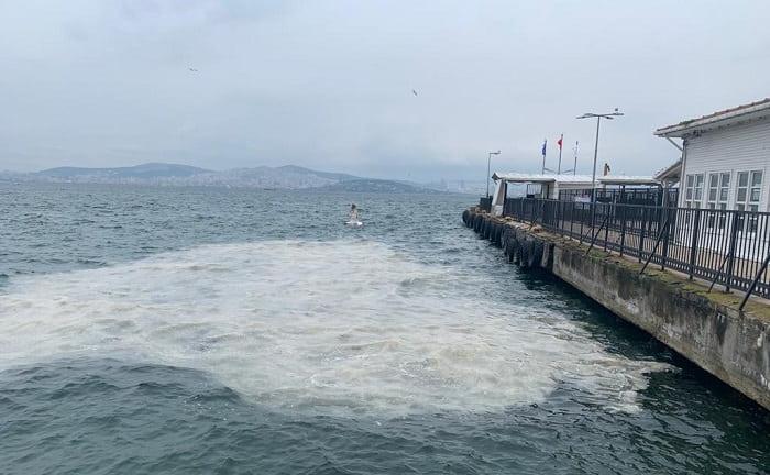 Heybeliada'da denizde kötü görüntüler